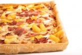 Photo of a hawaiian pizza